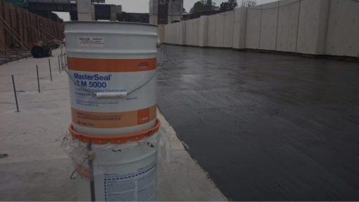 Sản phẩm Masterseal HML 5000 được ứng dụng trên sàn mái