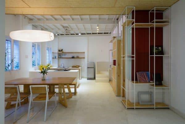 Cải tạo nhà cũ cũng cần chú ý việc bố trí cửa xổ và ô gió giúp căn nhà trở nên mát hơn